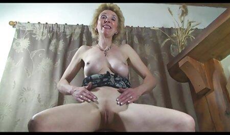 Szexi Erena szar teljes pornofilmek kakasok POV videó.