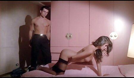 Ella Rózsaszín játszik teljes pornó film minden játék