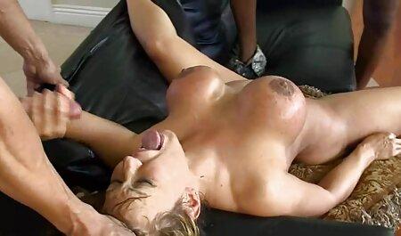 Aranyos ingyen teljes porno filmek Brit kiskatona Evan maszturbál, amíg nem jön a tetejére.