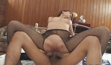 Ez a kövér ingyen teljes porno filmek lány meg akarja mutatni, hogy megnyalja a kakasok, mint egy profi !!