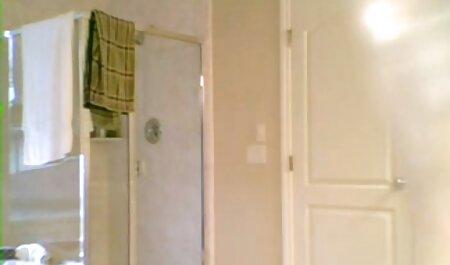 A legszexisebb Angelica a Wowgirls szar először a fürdőszobában, majd elment teljes pornó filmek a hálószobába, ott szar kemény.