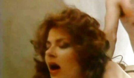 Devin Reynolds piszkos pisilni szex filmek magyarul teljes óvszer előtt maszturbál