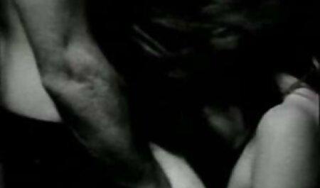 Két pornstars élvezi a kemény teljes pornó film szex együtt